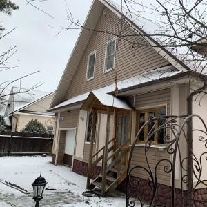 Продается жилой дом в городе на переулке Западном